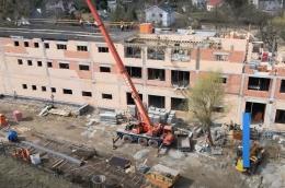 Powstaje już ostatnie piętro nowej części szkoły na Podolanach